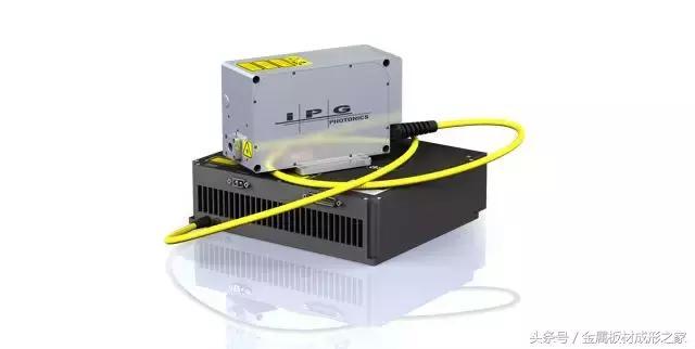 微纳加工利器——市面上最轻巧的全光纤超快激光器