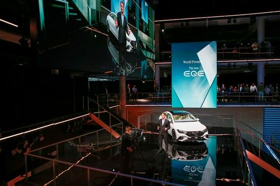 戴姆勒CEO:到2023年 汽车制造商可能会面临芯片短缺的问题